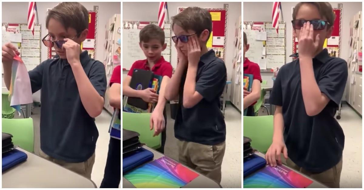 Resultado de imagem para Garoto usa dinheiro da mesada para comprar óculos para amigo daltônico ver as cores