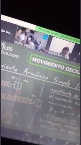 Professor 'apanhado' a beijar seios da mulher durante aula online